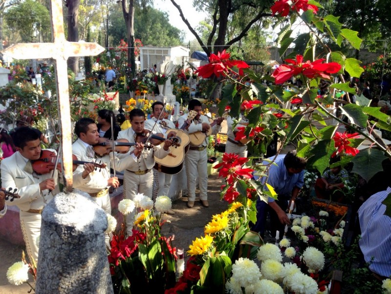 Day of the dead mariachis