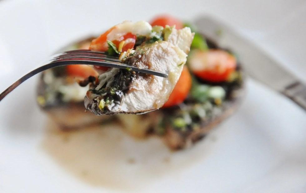 Pesto Caprese Portabello Mushroom Pizza (36)
