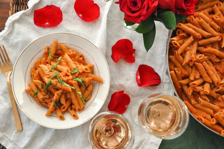 Vegan Penne alla Rosé (whole wheat, gluten-free option, 10 Ingredients)
