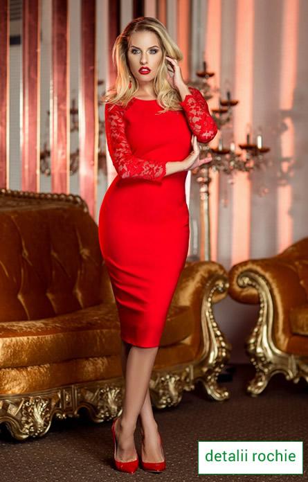 rochie rosie de revelion cu maneci din dantela