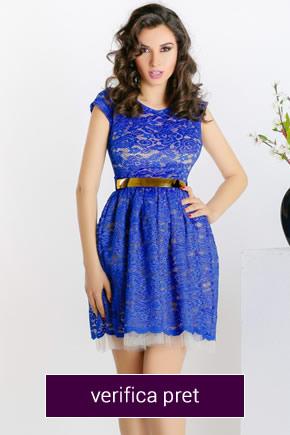 rochie albastra cu curea neagra din dantela