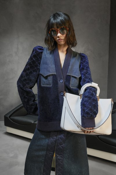 Discover Fendi's Pre-Fall 2020 Womanswear collection designed by Silvia Venturini Fendi. The collection is inspired by duality between sensuality and power, for modern women who are both mischievous and in control.