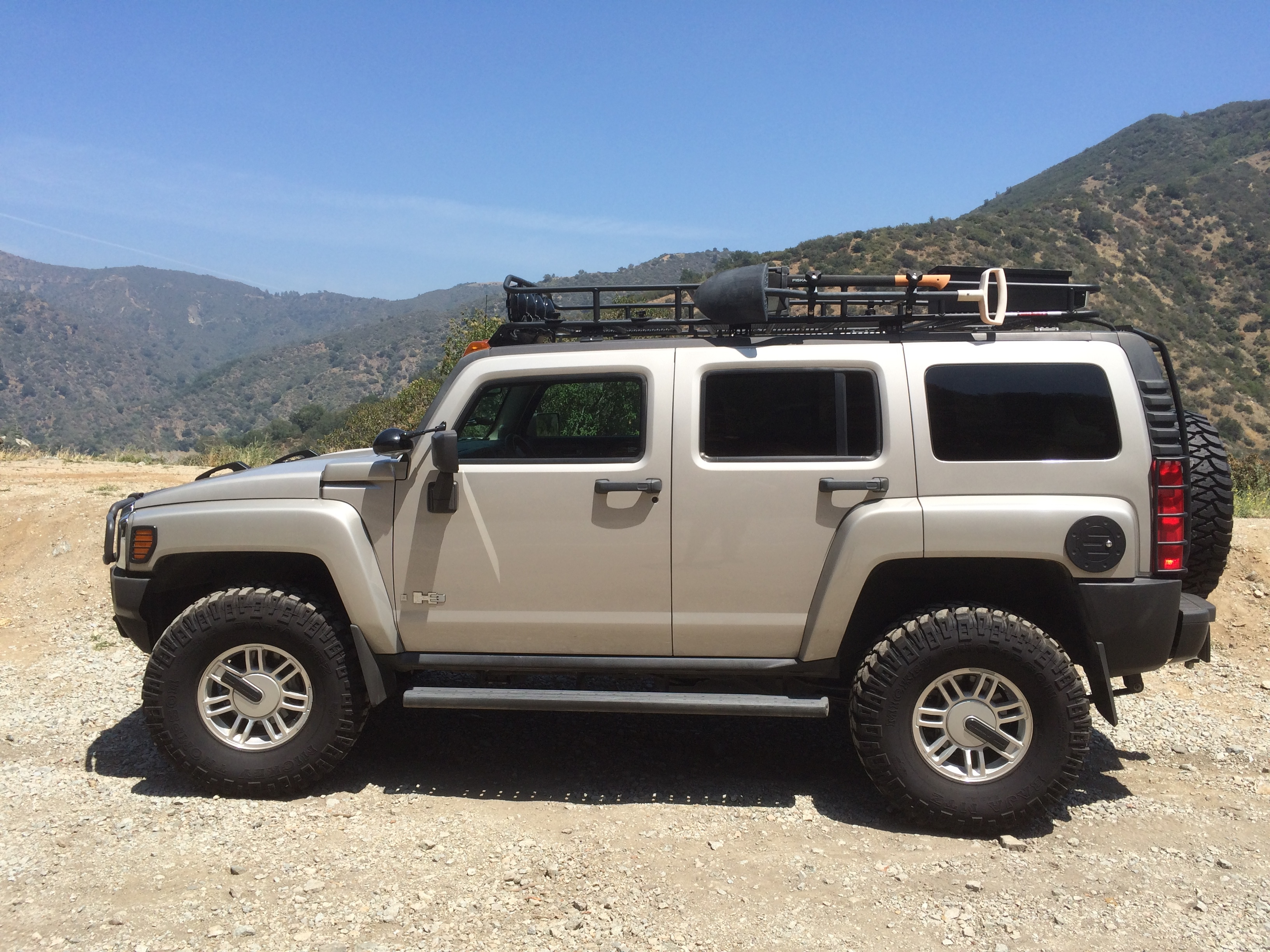 2006 Hummer H3 Adventure Package with RunCool Hood Louvers Hood