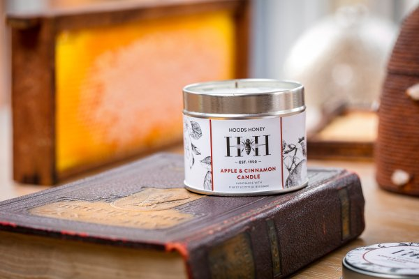 Apple and Cinnamon Candle