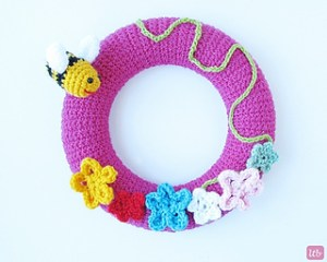 Crochet Spring Wreath-Crochet Spring Wreath.