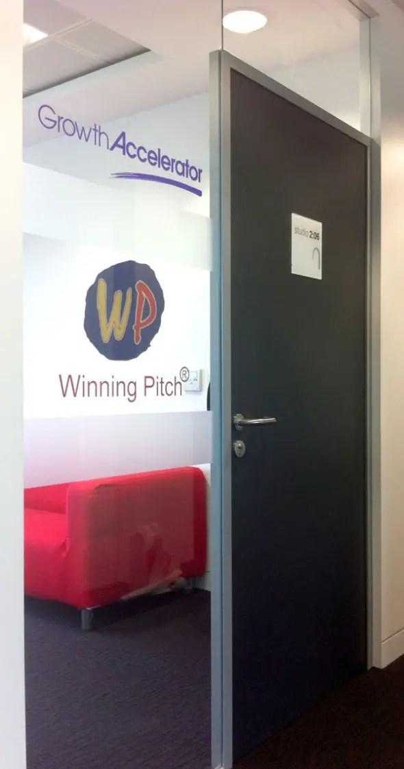 winning-pitch-window-graphi