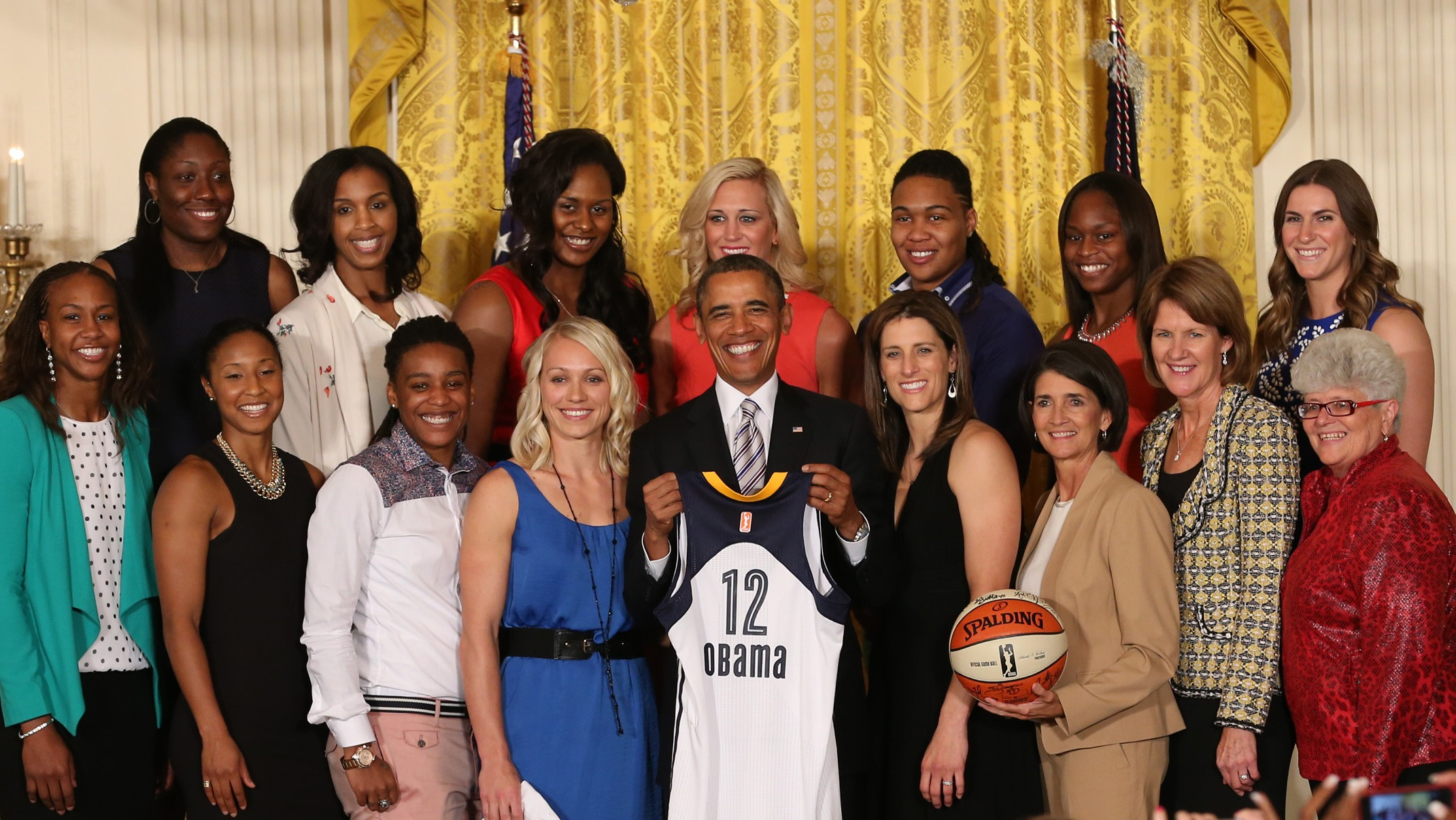 President Obama welcomes the Indiana Fever to the White House, team brings NCAA DIII champions DePauw