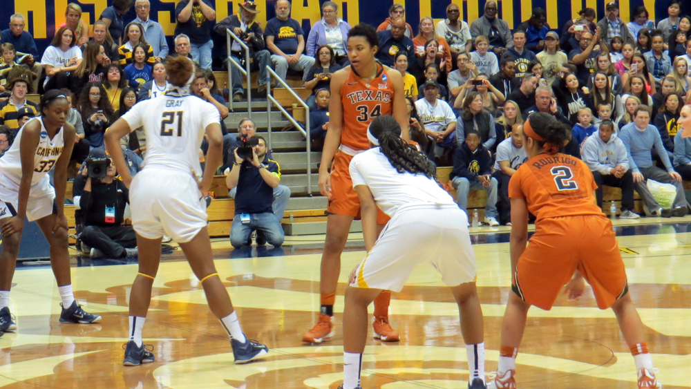 Texas bigs too much for Cal to handle, Longhorns advance to Sweet 16 for the first time in 11 years
