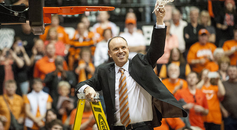 Oregon State picked by coaches to win Pac-12 regular season title in 2015-16
