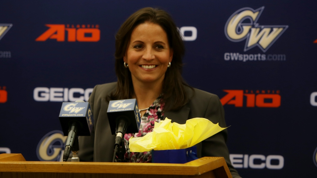 #ThePostUp Podcast 5/9/16: Jennifer Rizzotti on her new head coaching challenge, USA Basketball and the WNBA