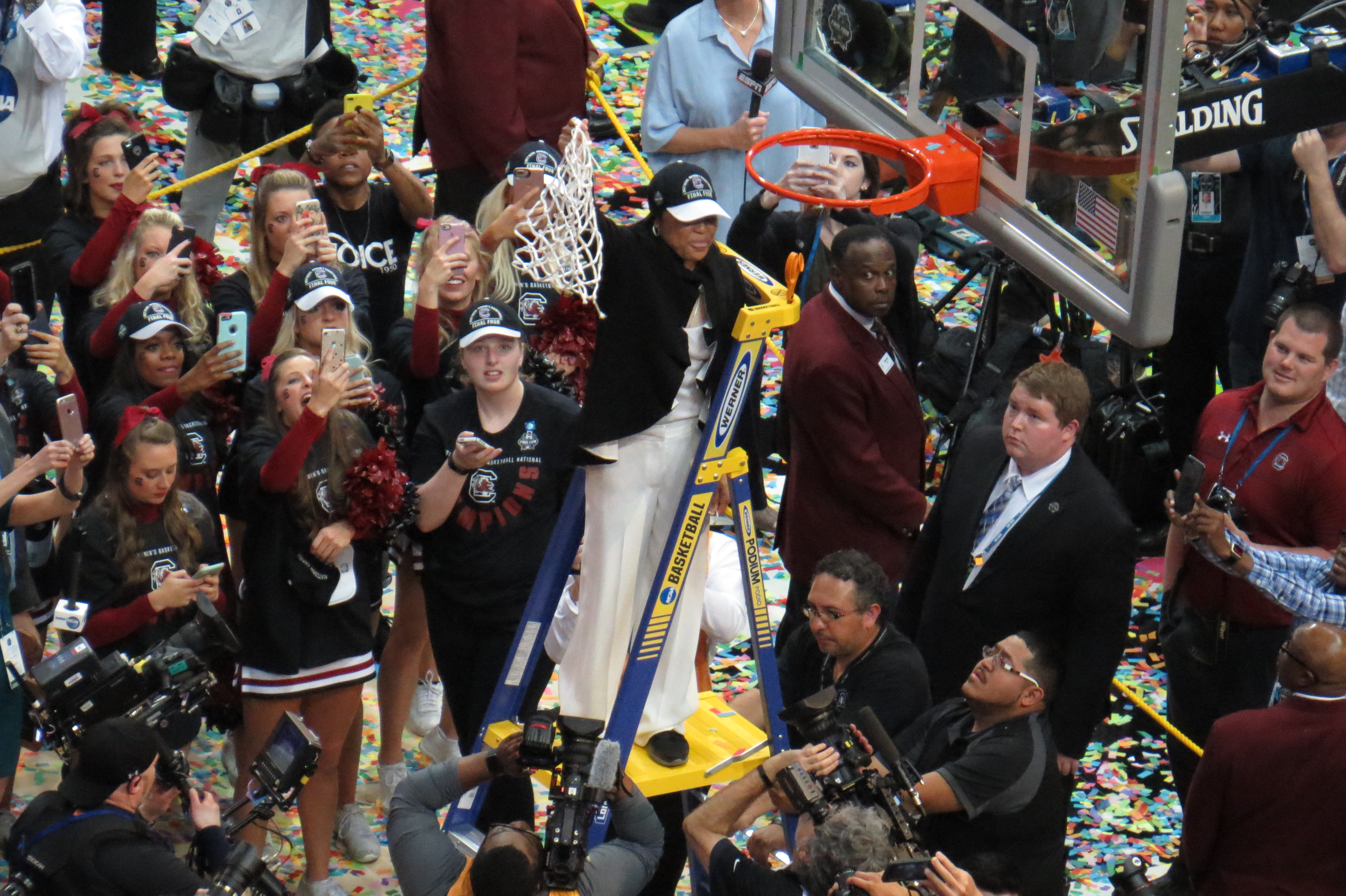Dawn Staley coaches South Carolina to first-ever national championship for Gamecocks