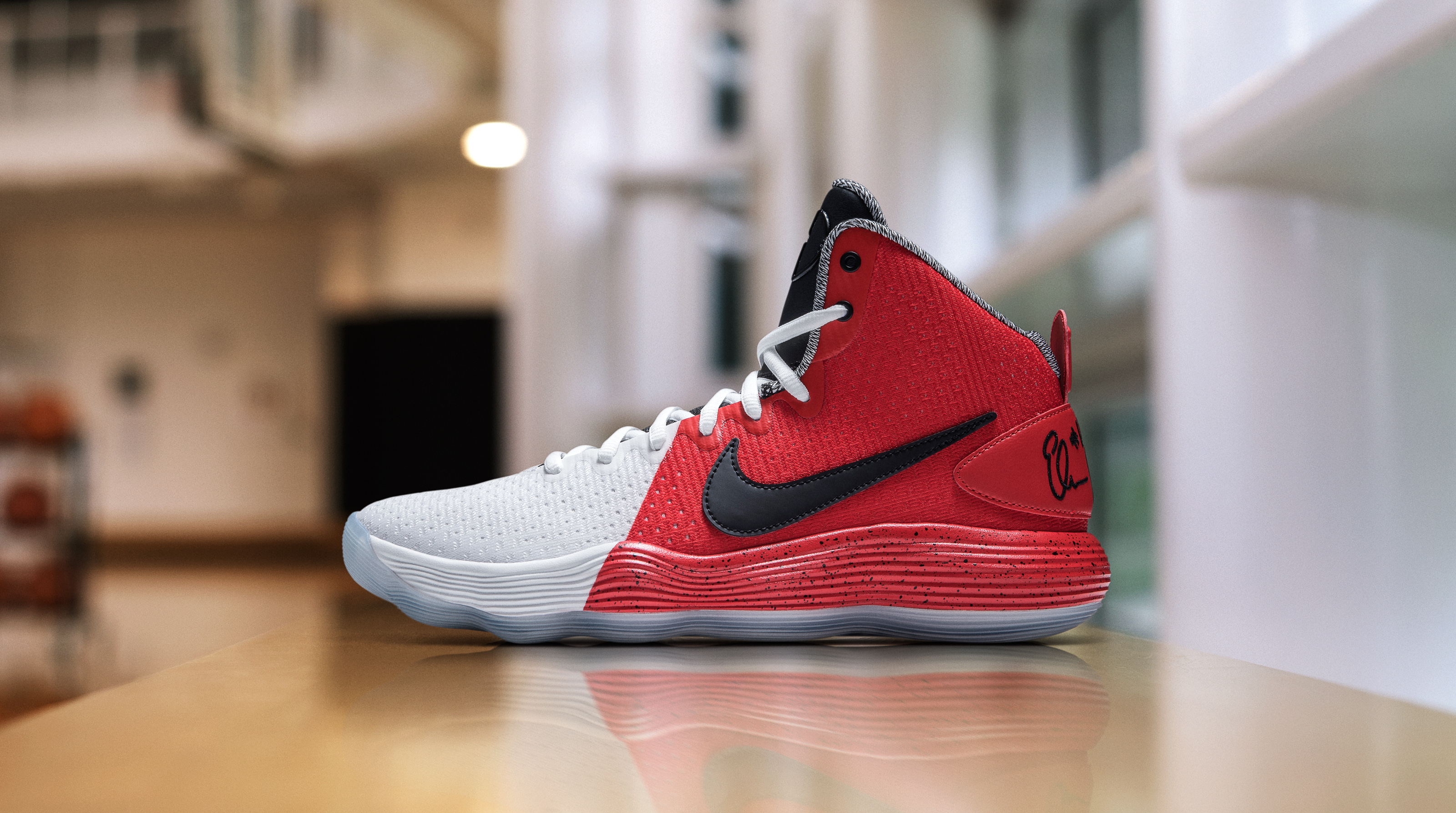 Elena Delle Donne honors Sheryl Swoopes with a player exclusive Nike React Hyperdunk 2017