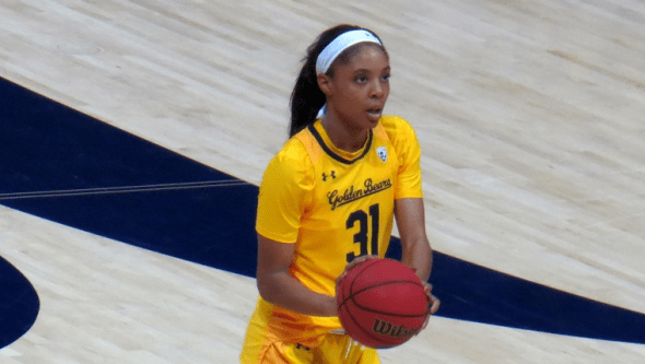 Nov. 11, 2017 (Berkeley, Calif.) - Cal junior forward/center Kristine Anigwe.