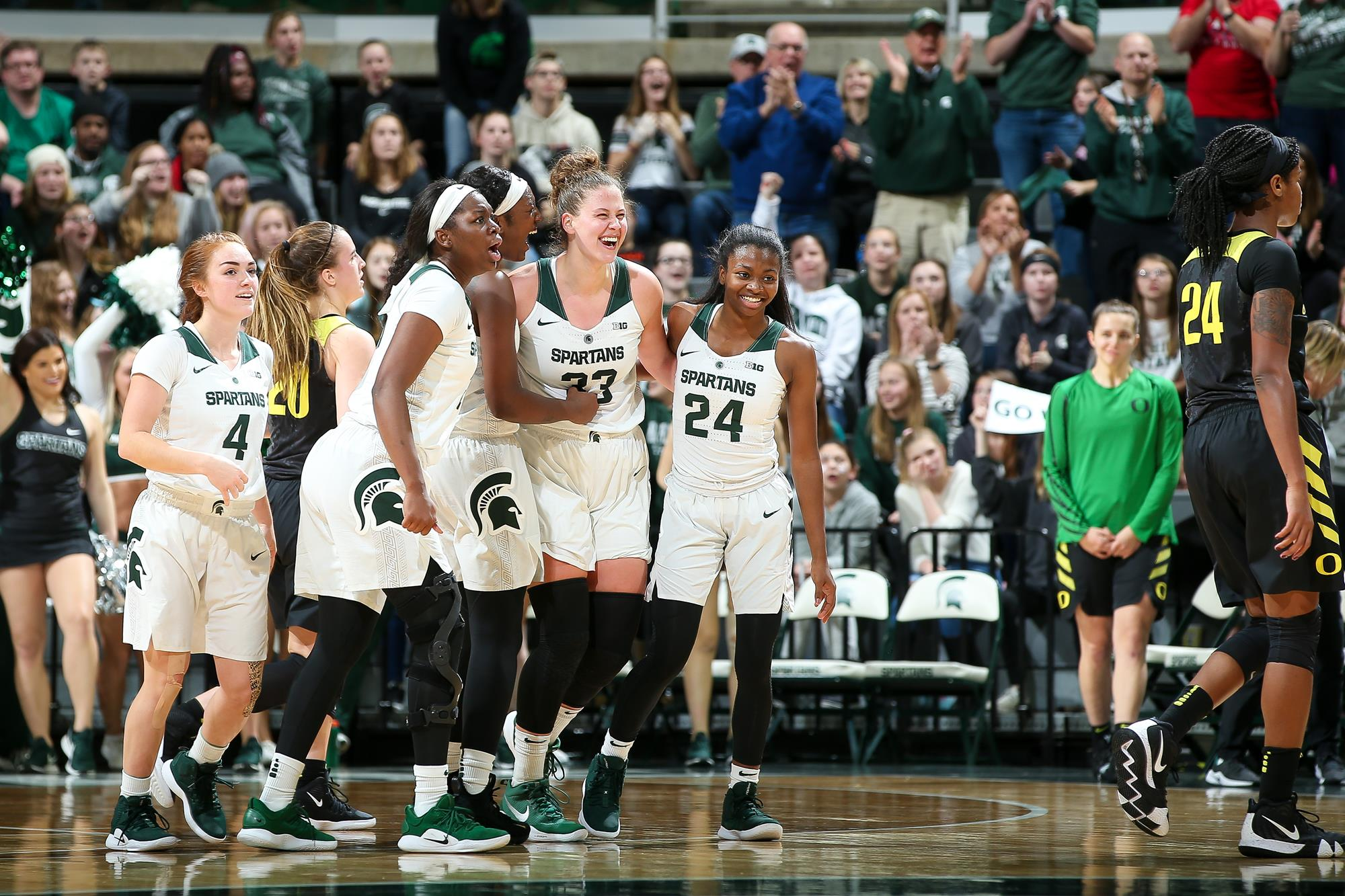 Michigan State enters the Sport Tours International/Hoopfeed NCAA DI Top 25 Poll; UConn remains No. 1