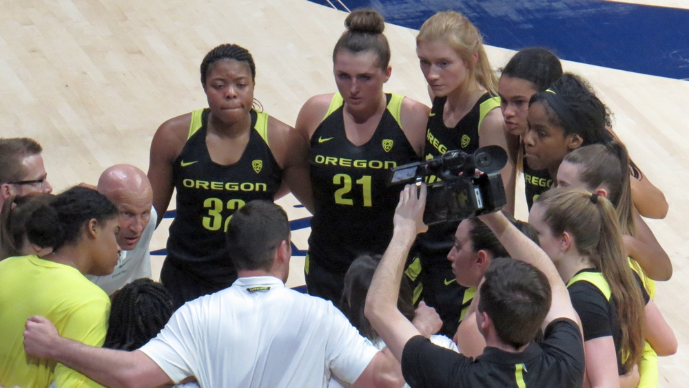Oregon has big second half to hold off Cal for 105-82 win in Berkeley; Kristine Anigwe sets Bears scoring record