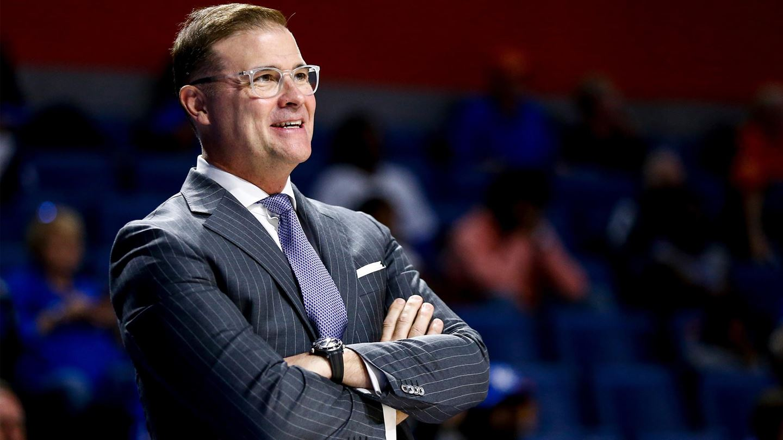 Matthew Mitchell steps down as Kentucky head coach, Kyra Elzy named interim head coach