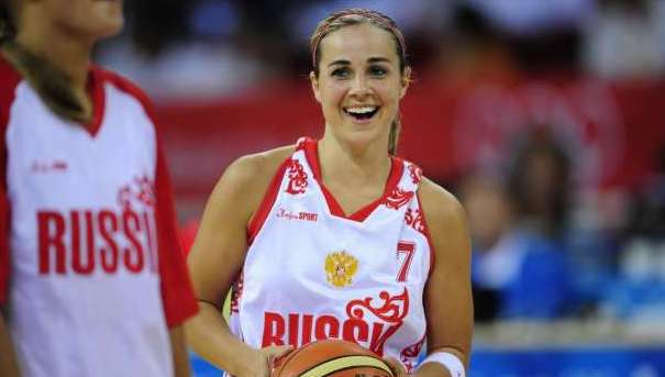 Russian national team member Becky Hammon checks in from London, talks about Olympic prep, the toughest foes and more