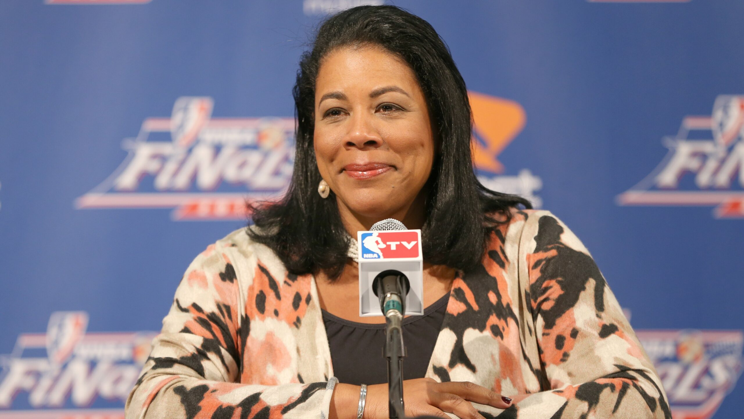 Dishin & Swishin 10/18/12 Podcast: WNBA President Laurel Richie on stability, growth and more