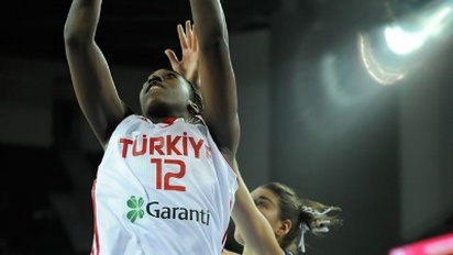 USA Basketball faces Turkey and the familiar face of Quanitra Hollingsworth in last exhibition before Olympics