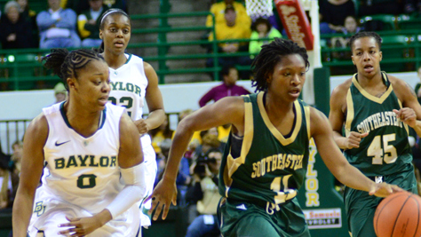 Freshman Alexis Prince leads No. 3 Baylor in 106-41 rout of SE Louisiana