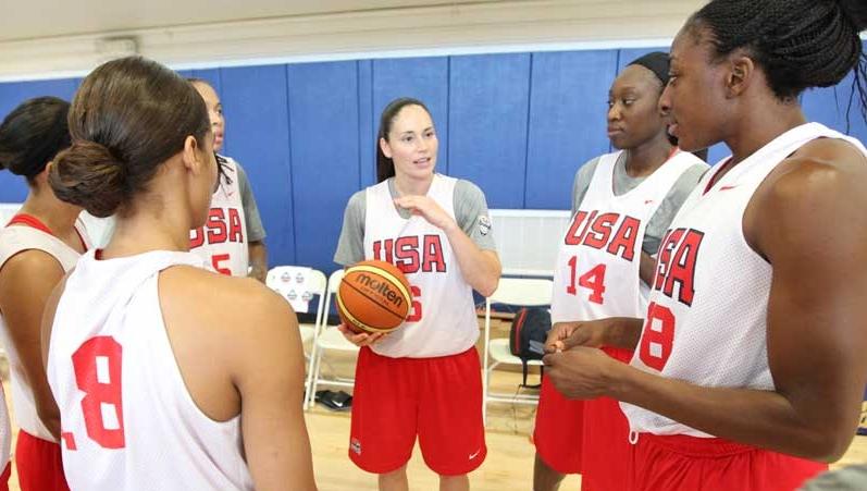 Dishin & Swishin 09/18/14 Podcast: USA Basketball adds players in Paris, Mechelle Voepel ranks the WNBA's teams