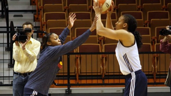 Dishin & Swishin 05-03-12 Podcast: The Connecticut Sun look to improve with their core from last year