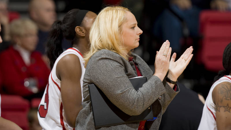 UMKC head coach Marsha Frese on supporting her sibling, Maryland's Brenda Frese, in the Final Four
