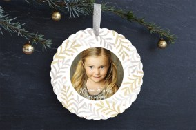 Sparkling Wreath Ornament Card