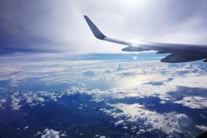 Flug über den Wolken - Die Zeit ist dein Bauwerk