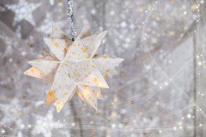 Weihnachtlicher Stern in weiß-gold mit Glitzer - Ein bisschen Glitzer zur Weihnachtszeit