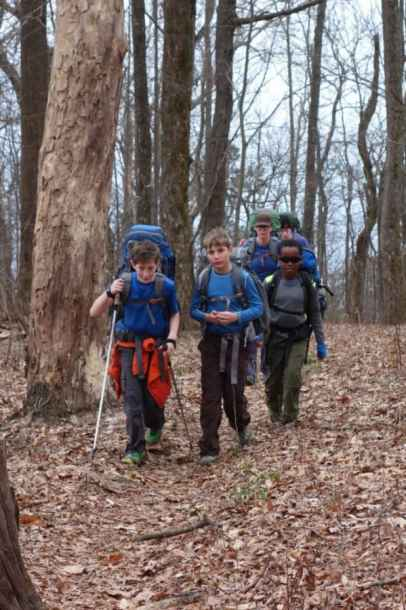 Kids hiking on Foothills Trail