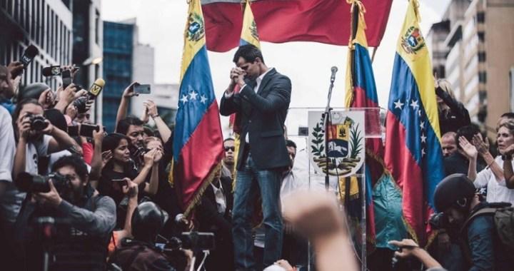 Guaidó ofrece a militares y policías su ley de amnistía para conseguir adhesiones