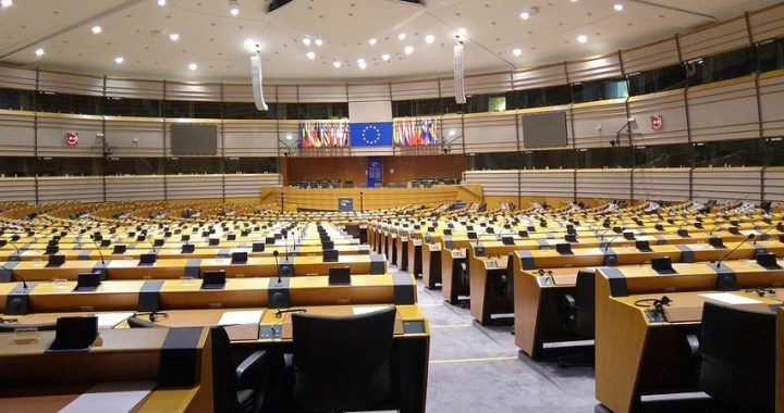 El Parlamento Europeo aprueba definir a Gibraltar como una colonia británica
