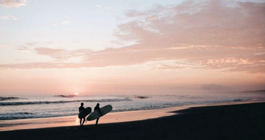 6 claves para un surf camp perfecto
