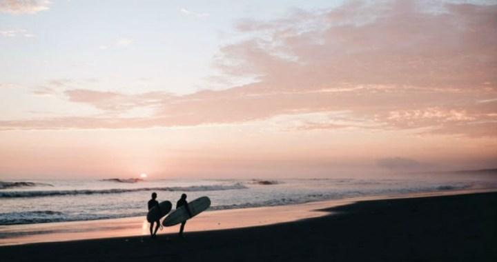 6 claves para que tu campamento de verano de surf sea perfecto