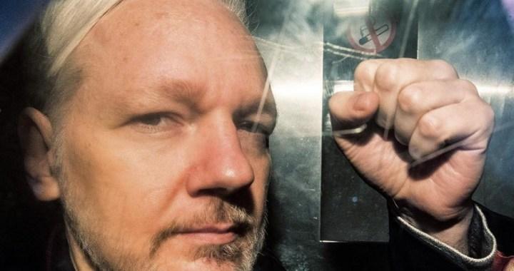 Julian Assange comparece ante el tribunal para la audiencia de extradición de los Estados Unidos