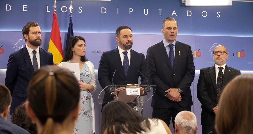 Vox demanda a Zapatero