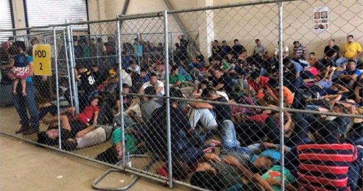 Nuevas imágenes de inmigrantes detenidos en Estados Unidos crean indignación
