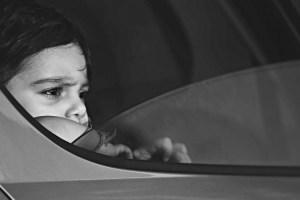 ¿Cómo proceder ante la urgencia de que un niño quede encerrado en un vehículo?
