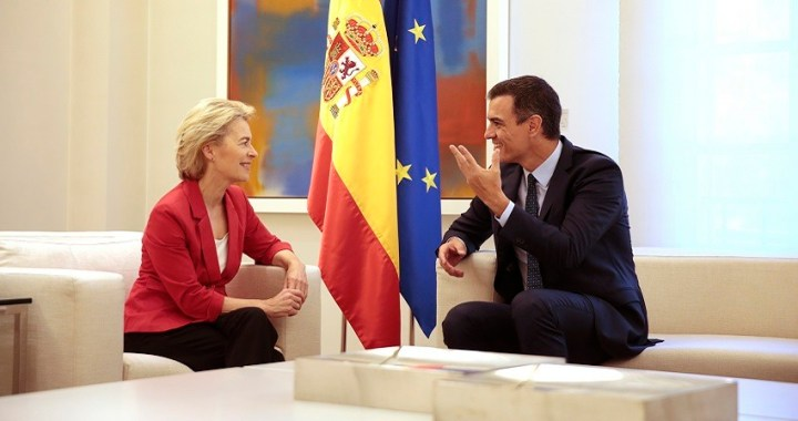 Pedro Sánchez recibe a Ursula von der Leyen, presidenta electa de la Comisión Europea