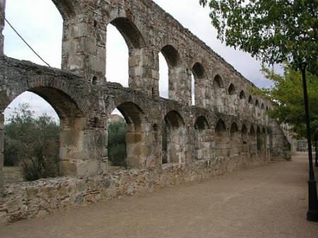 Acueducto de San Lázaro merida
