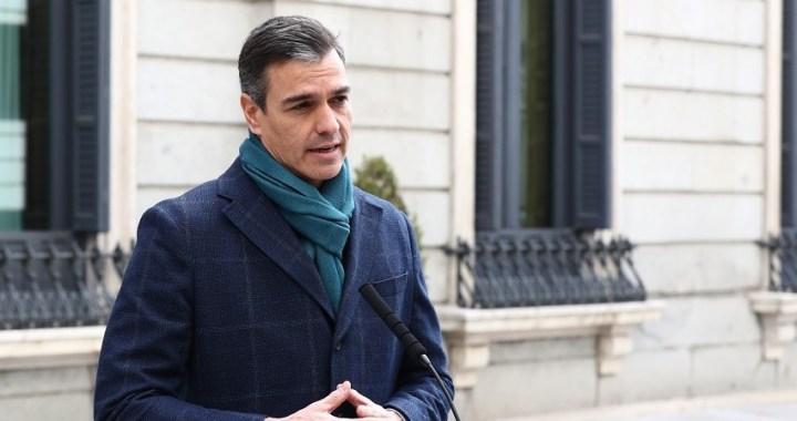 Sánchez elogia el espíritu social de la Constitución y su amparo frente a la pandemia