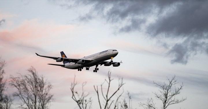 Gobierno, patronal y sindicatos aprueban un Plan de Choque para el sector aeronáutico nacional