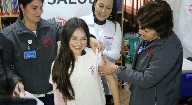 Comenzó campaña de vacunación contra virus de papiloma humano