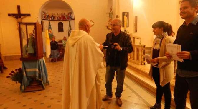 Reconocen a los periodistas en una misa