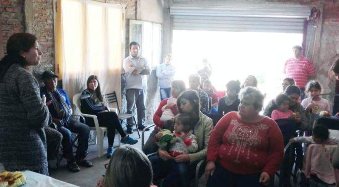 Prensa Unidad Ciudadana: Isabel Domínguez en el barrio Bicentenario