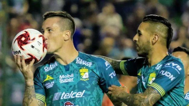 Cabezazo, gol de Leo  Ramos y sumó de a 3