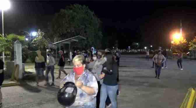 Cansados de la inseguridad, organizaron una marcha en el predio del ferrocarril Sarmiento