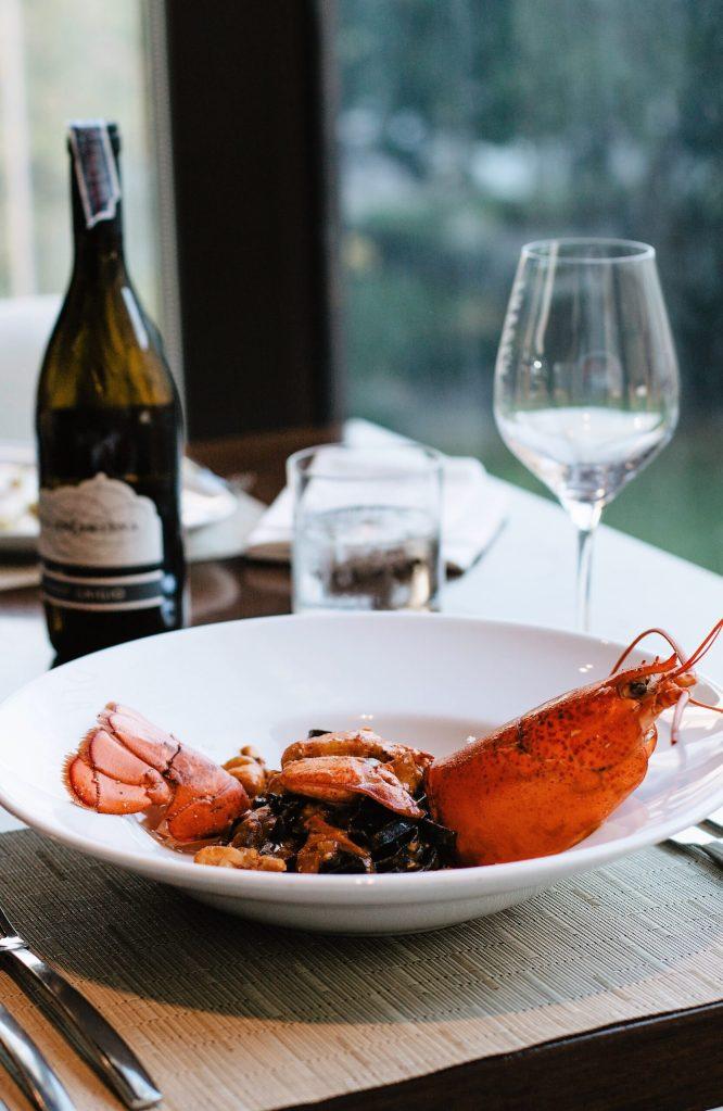 El concepto del negocio gastronómico. Photo by ROMAN ODINTSOV from Pexels