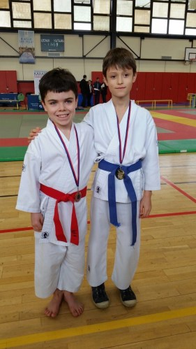 médailles karaté pupilles combat